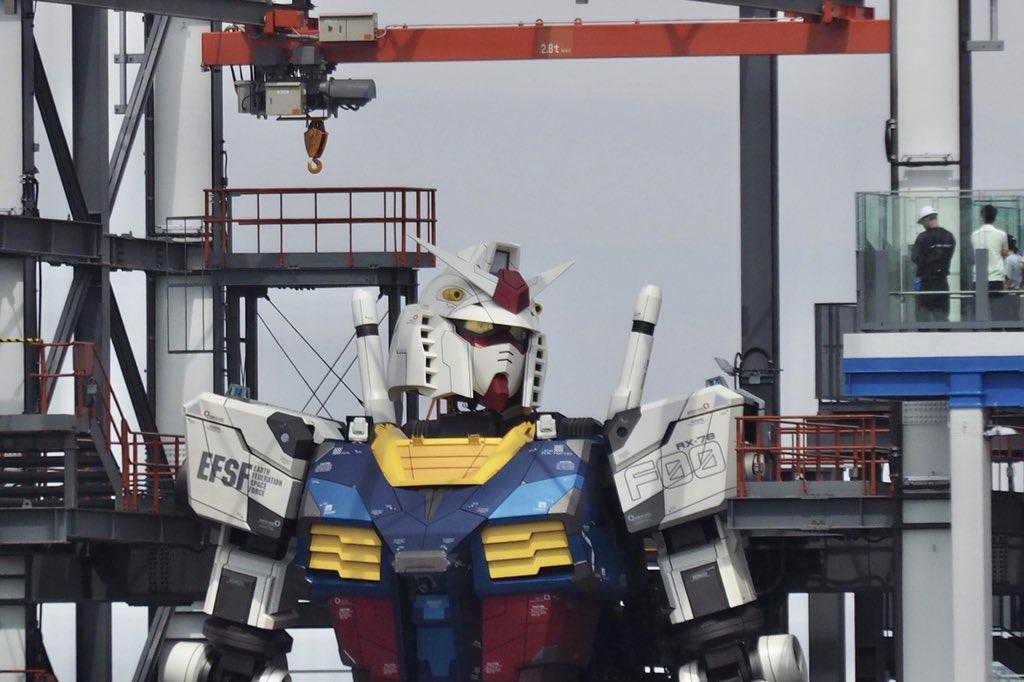 18 metri per 25 tonnellate: il robot Gundam in Giappone esiste davvero | Video