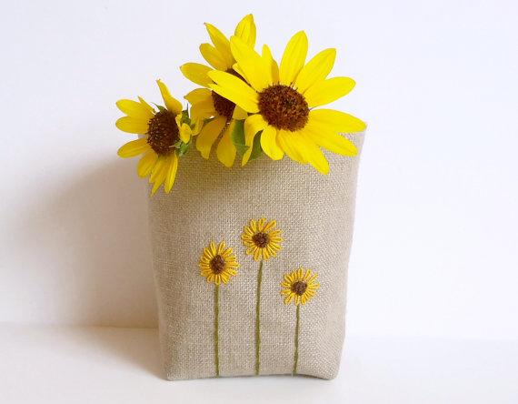 κατασκευές από λινάτσα, καλάθι από λινάτσα, κέντημα σε λινάτσα, κεντημένη λινάτσα, κέντημα λουλούδια