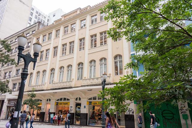 Antigo prédio do Grande Hotel Moderno em Curitiba