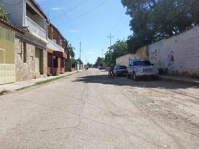 EN CAMPANERO: SE VEN OBLIGADOS A DEFECAR EN BOLSAS PLÁTICAS POR EL DESBORDE DE LAS CLOACAS