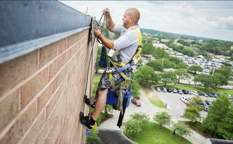 RobinsonSolutions Professional Window Cleaning Day In