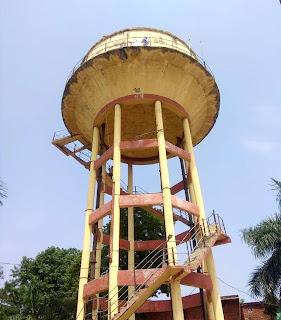 जल निगम की टंकी खराब, आपूर्ति बाधित | #NayaSaberaNetwork
