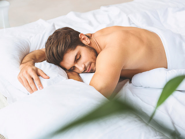 Tidur Tanpa Memakai Busana, Bagaimana Hukumnya?