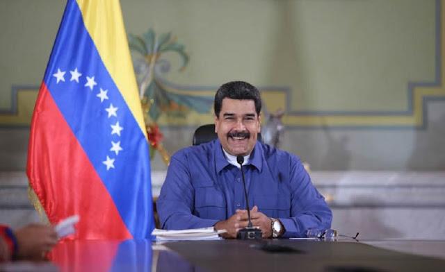 Maduro aumentó 15% el sueldo de los maestros este #8Junio