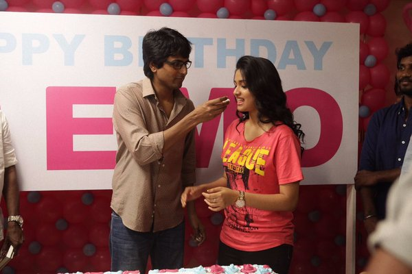 ... Remo HD Stills, Remo Sivakarthikeyan Pictures, Siva Keerthi Remo Movie
