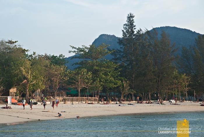 Koh Phi Phi Loh Dalum Beach