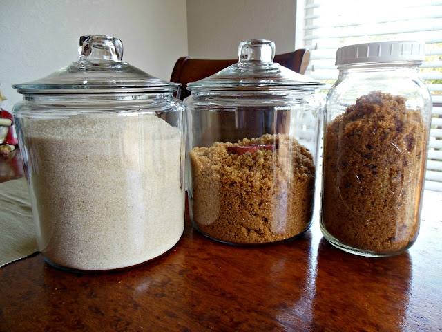 Homemade organic brown sugar is easy!