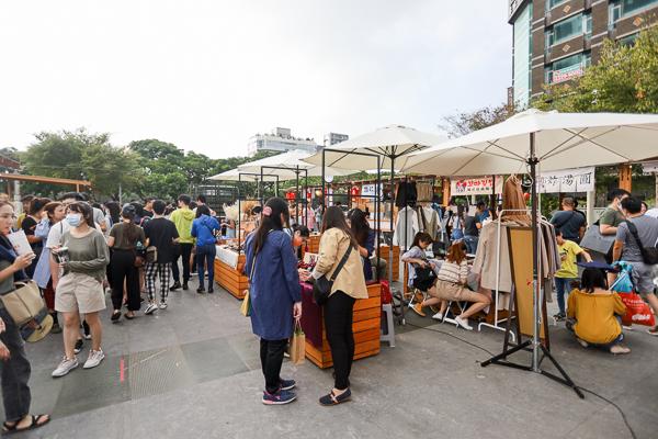 全台最美市集夜市「富地市場」移至草悟廣場,試營運就吸引滿滿人潮