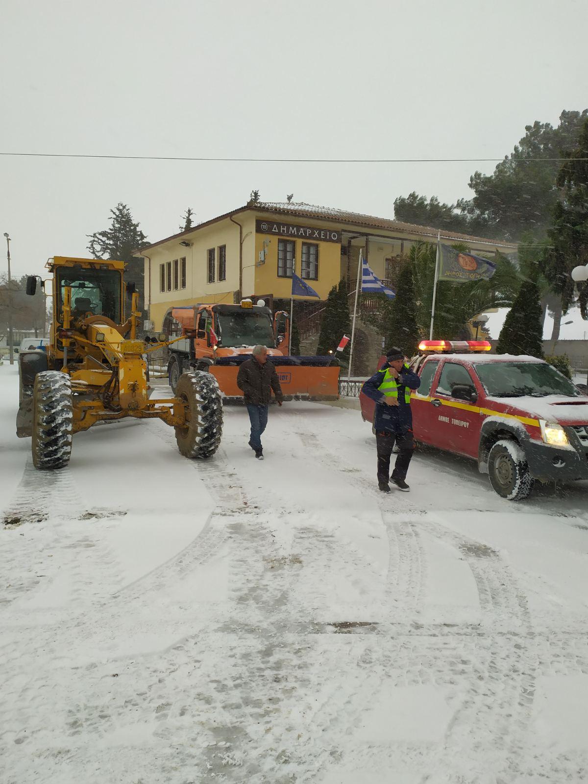 Σε επιφυλακή η Πολιτική Προστασία του Δήμου Τοπείρου για τον χιονιά