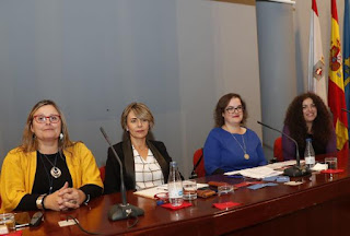 Fotografía de Ana Isabel Corregidor y el resto de concejalas