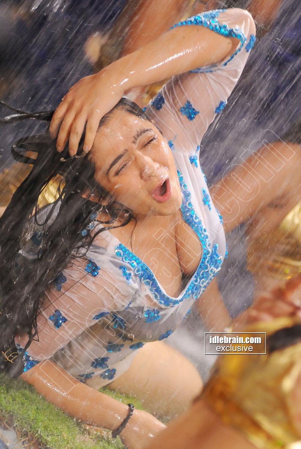 Hot Actress Horny Charmi Kaur Heavy Boob Show-7411