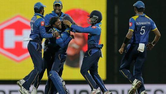 akila-dhananjaya-6-wickets-vs-india