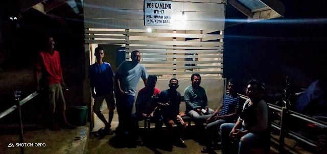 Dalam Rangka Mendukung Polri Dalam Menjaga Sitkamtibmas Diwilayahnya, Ini Yang Dilakukan Oleh Ketua RT 17 Kelurahan Simpang III Sipin Bersama Warganya