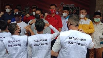H-1 Pilkada Medan, Bobby Bikin Satgas Anti Politik Uang dan Bagi Masker ke Saksi
