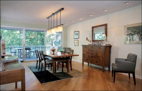 mid century dining room design ideas room design ideas. Black Bedroom Furniture Sets. Home Design Ideas