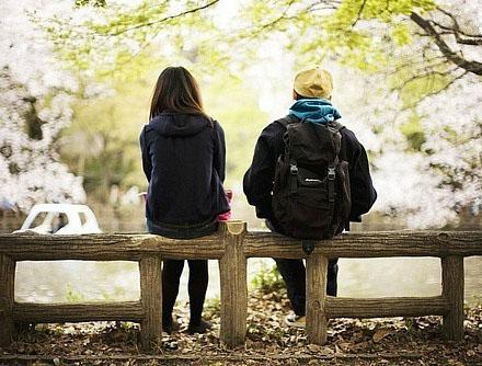 Kebanyakan merasa yakin bisa membahagiakan cowoknya hanya dengan rasa cinta dari cowok it Kata-kata Yang Bikin Cowok Senang