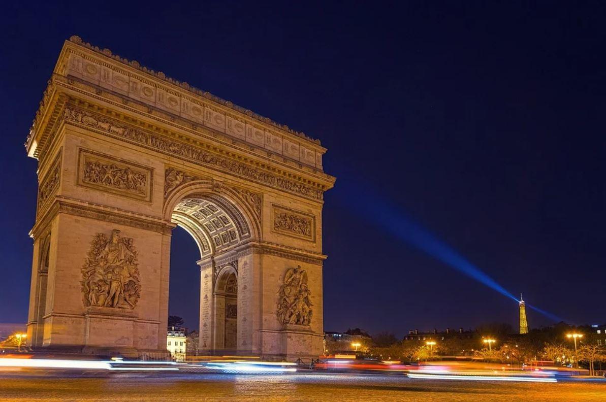 visiter paris arc de triomphe