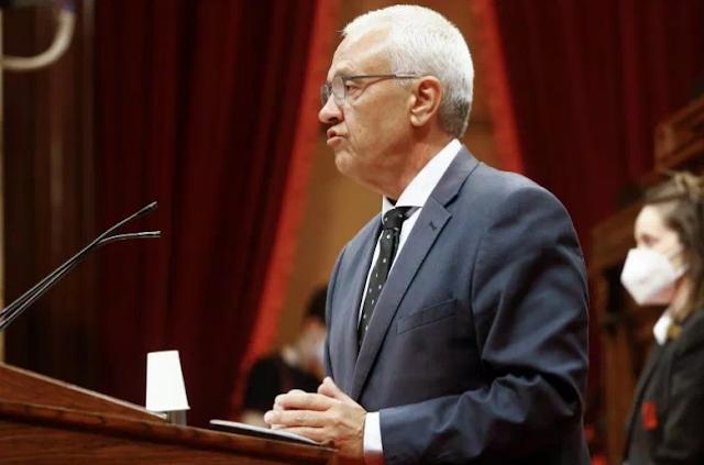 Santi Rodríguez, nuevo secretario general del PPC, que refuerza su cúpula