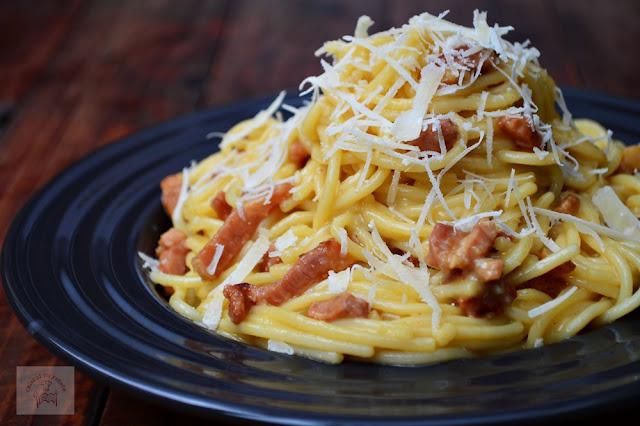 http://www.caietulcuretete.com/2015/10/spaghete-carbonara.html