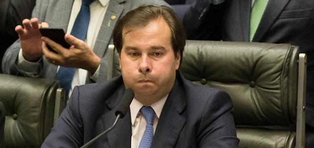 Maia reúne aliados para anular reforma da previdência de Bolsonaro e retomar antigo texto