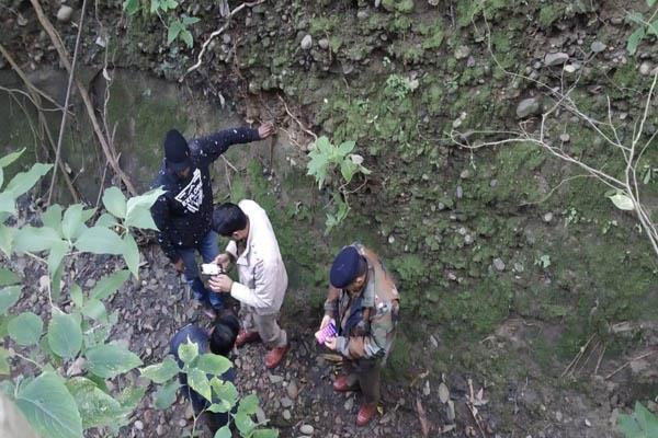 Hamirpur: चार दिनों से घर से लापता व्यक्ति का नाले में मिला शव