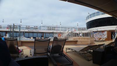Pavilion Pool deck - Queen Elizabeth Cruise Ship