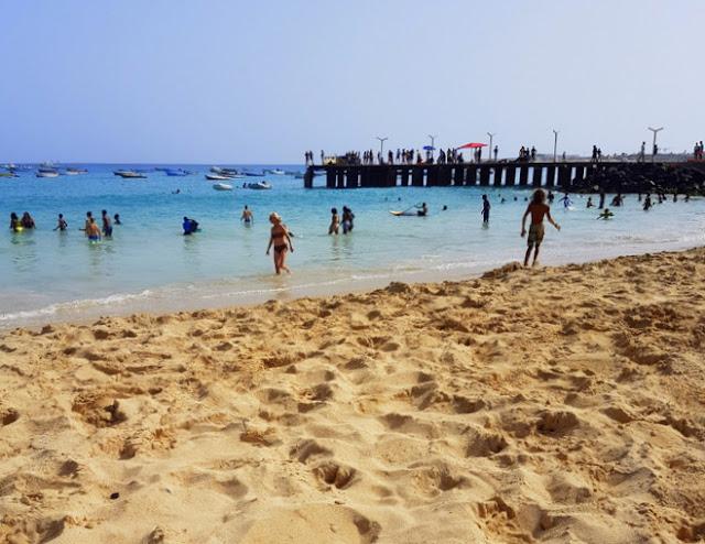 Praia de Santa Maria, na Ilha do Sal, Cabo Verde