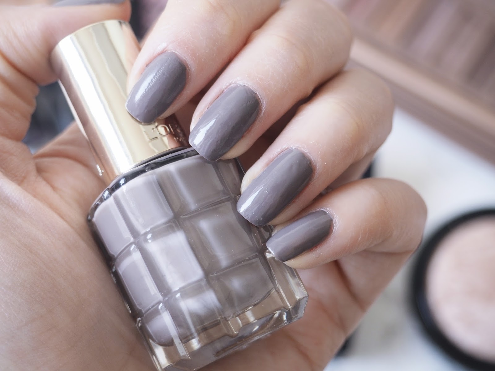 L\'Oreal Paris Color Riche L\'Huile Nail Varnishes | Pam Scalfi♥