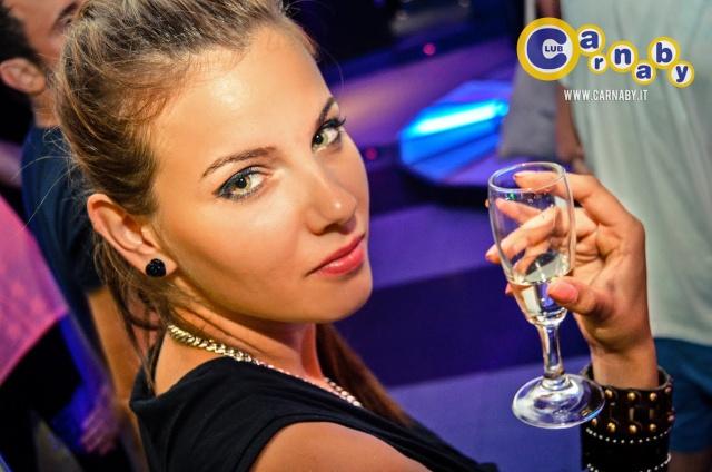 young-people-hotels-rimini-capodanno-2020-carnaby-poracci-in-viaggio