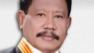 Mantan Walikota Ternate Samsir Andili Meninggal Dunia, Ribuan Pelayat Mengantarnya ke Pemakaman