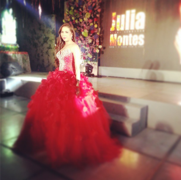 "Julia Montes debut gown, ""18 roses"" (photos)   MyKiRu IsYuSeRo  Julia Montes de..."