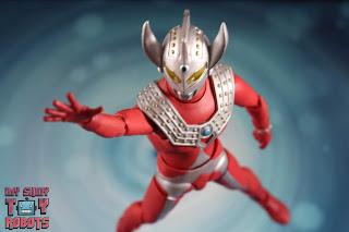 S.H. Figuarts Ultraman Taro 11