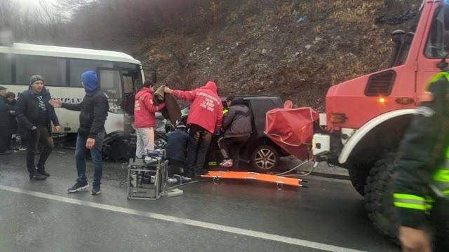 Četvoro povrijeđenih u sudaru automobila i autobusa