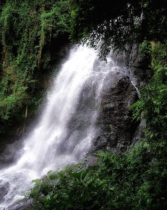 Vista Lateral da Cascata dos Narcisos, em Gramado