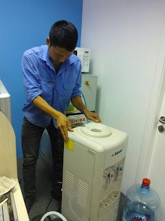 Sửa cây nước uống nóng lạnh tại Nam Định