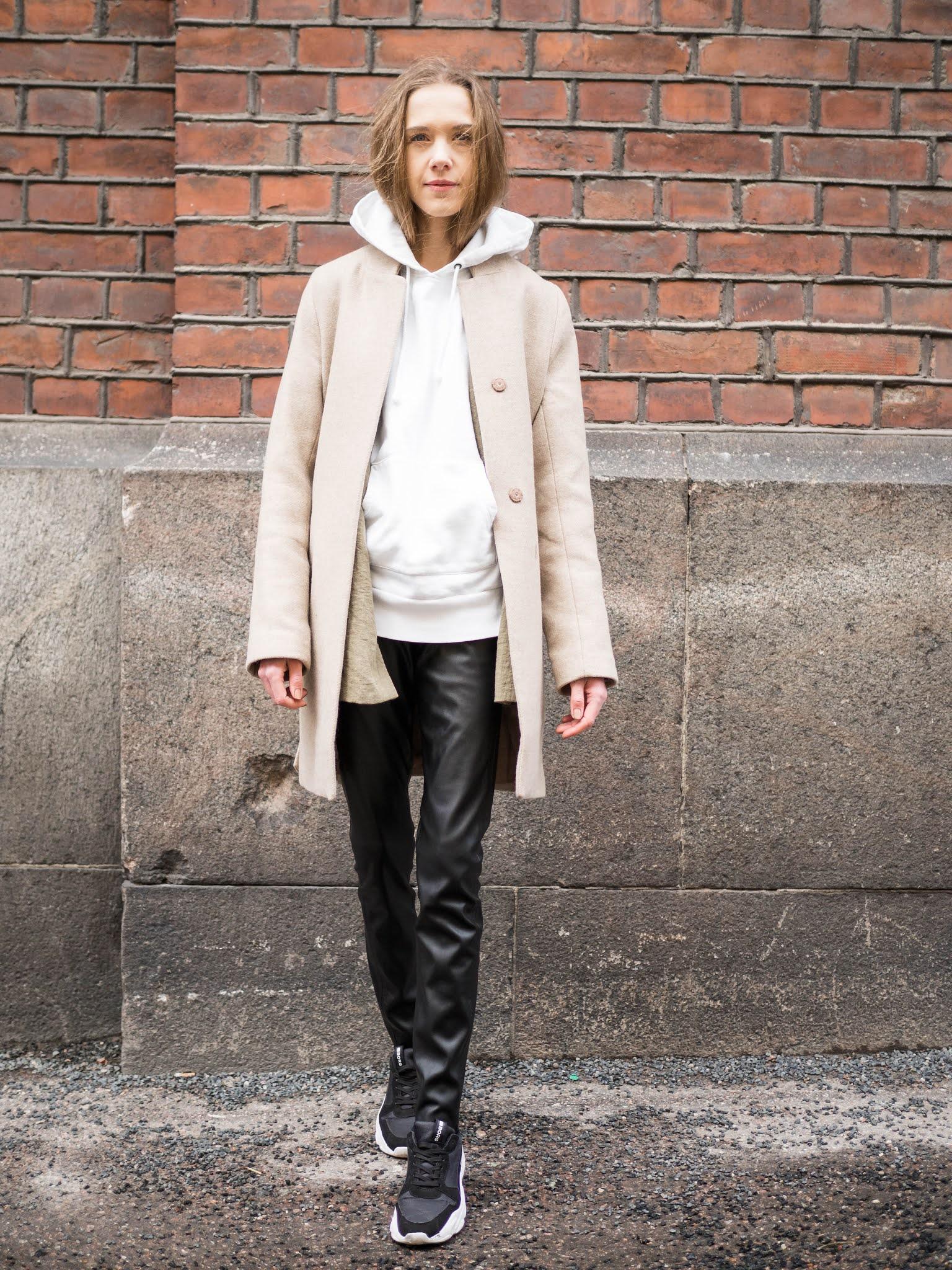 Kuinka pukea bleiseri hupparin kanssa // How to style hoodies with blazers
