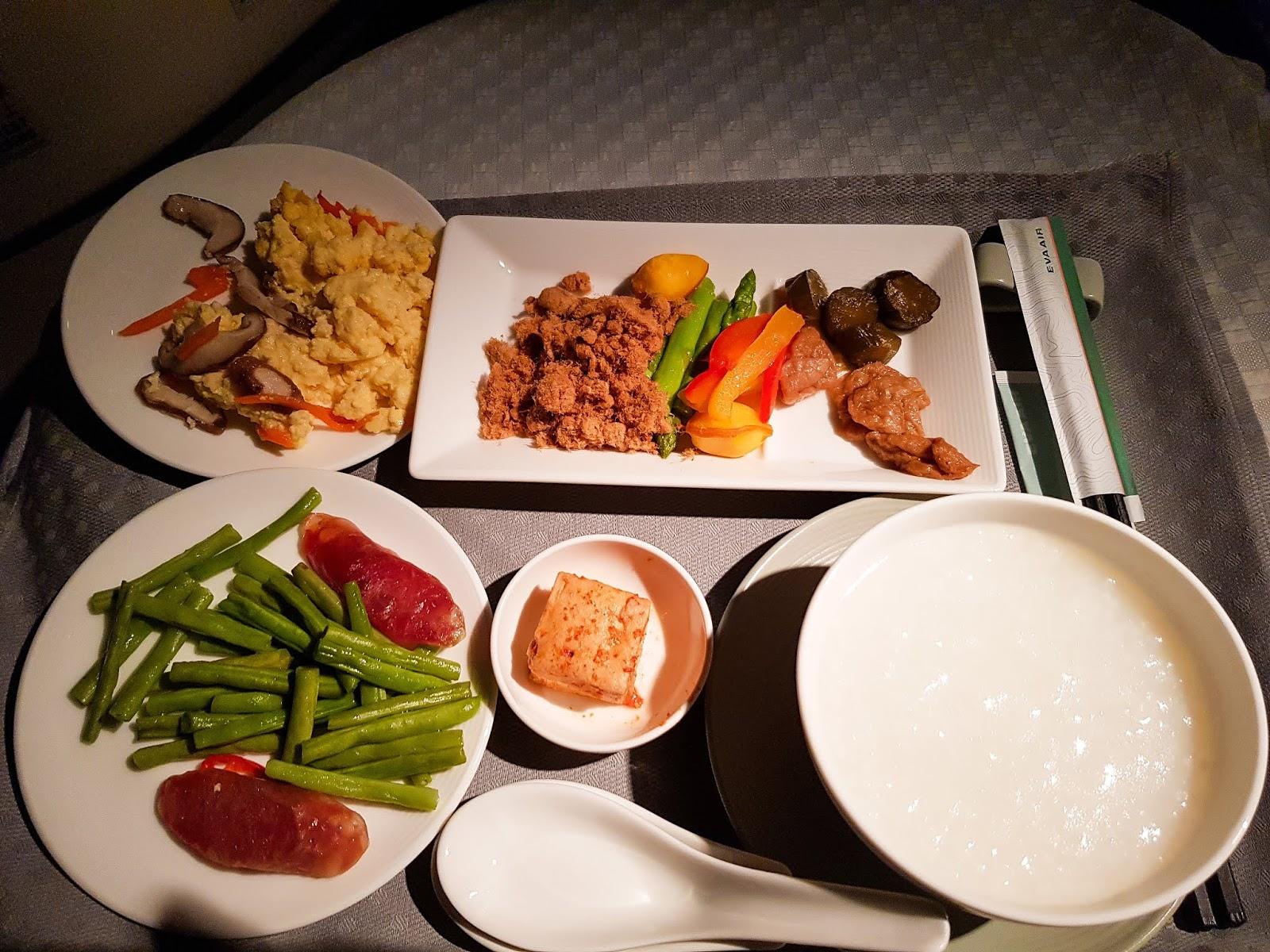 長榮航空 77W 商務艙 BR87 桃園→巴黎 TPE-CDG 早餐