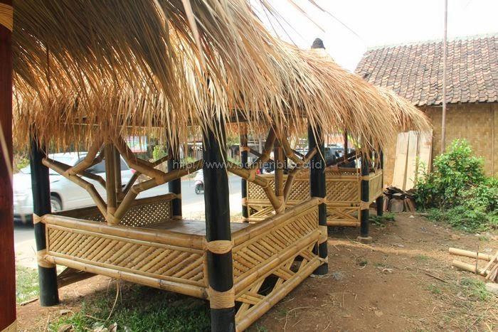Tukang saung bambu harga murah