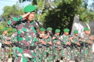 Peringati HUT ke - 61, Satgas Pamtas RI-RDTL Yonif 132/BS, Ziarah ke Taman Makam Pahlawan Cendana Loka Kefamenanu