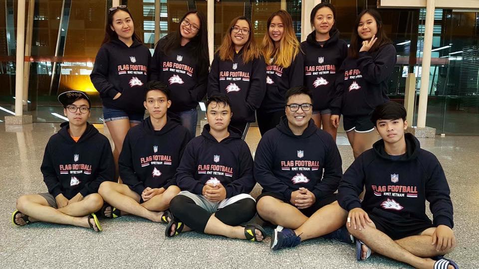 Mẫu in áo hoodie làm đồng phục nhóm - Hình 1