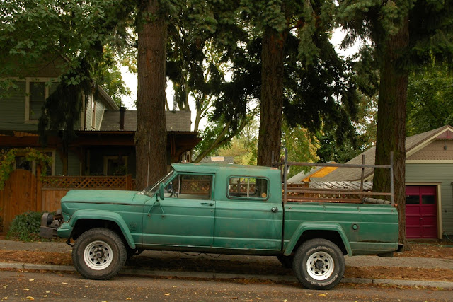 """OLD PARKED CARS.: 1965 Willys Jeep Gladiator J300 """"Custom ..."""