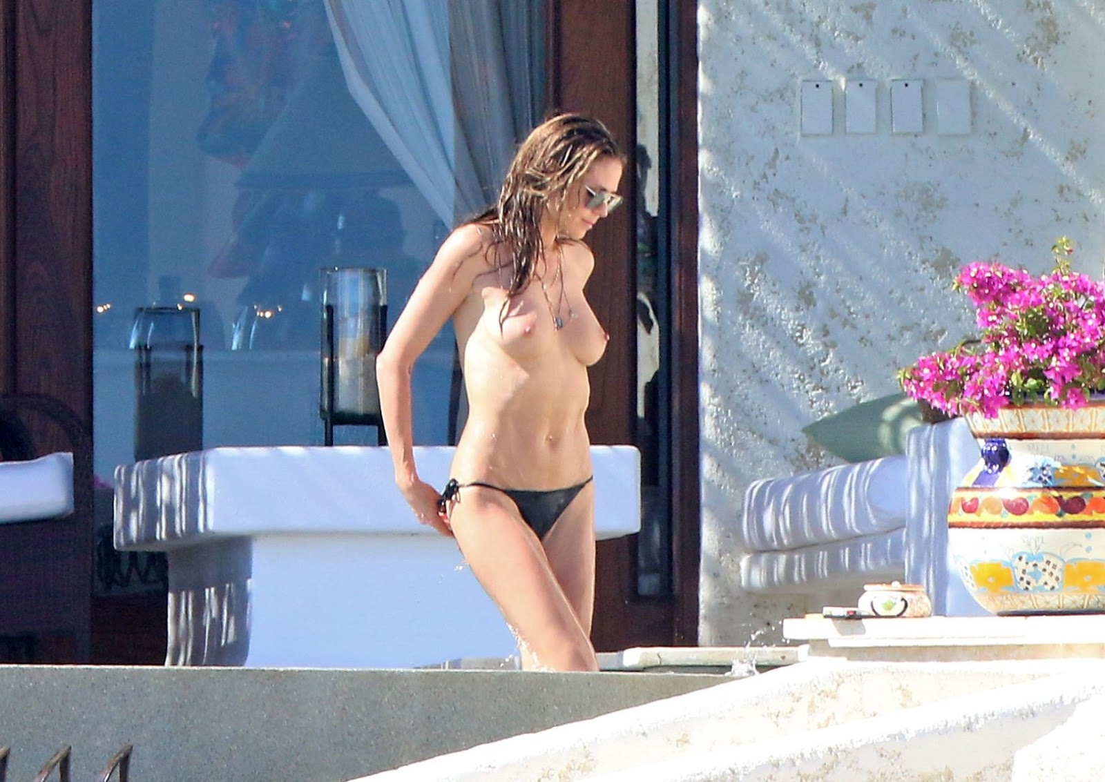 Heidi Klum – Topless Candids in Cabo San Lucas