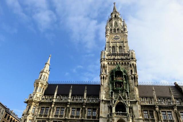 2 days in Munich in Spring: New Town Hall on Marienplatz