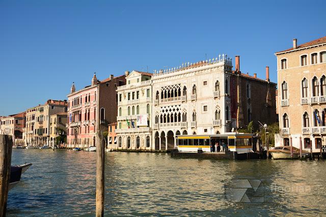 Najwspanialszy z Weneckich pałaców - Ca d'oro, czyli Złoty dom - największy most nad Canal Grande w Wenecji - największa atrakcja turystyczna w Wenecji