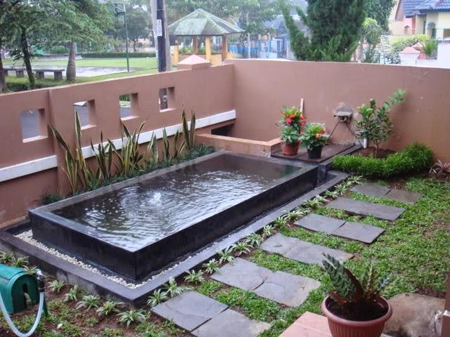 kolam ikan minimalis halaman rumah