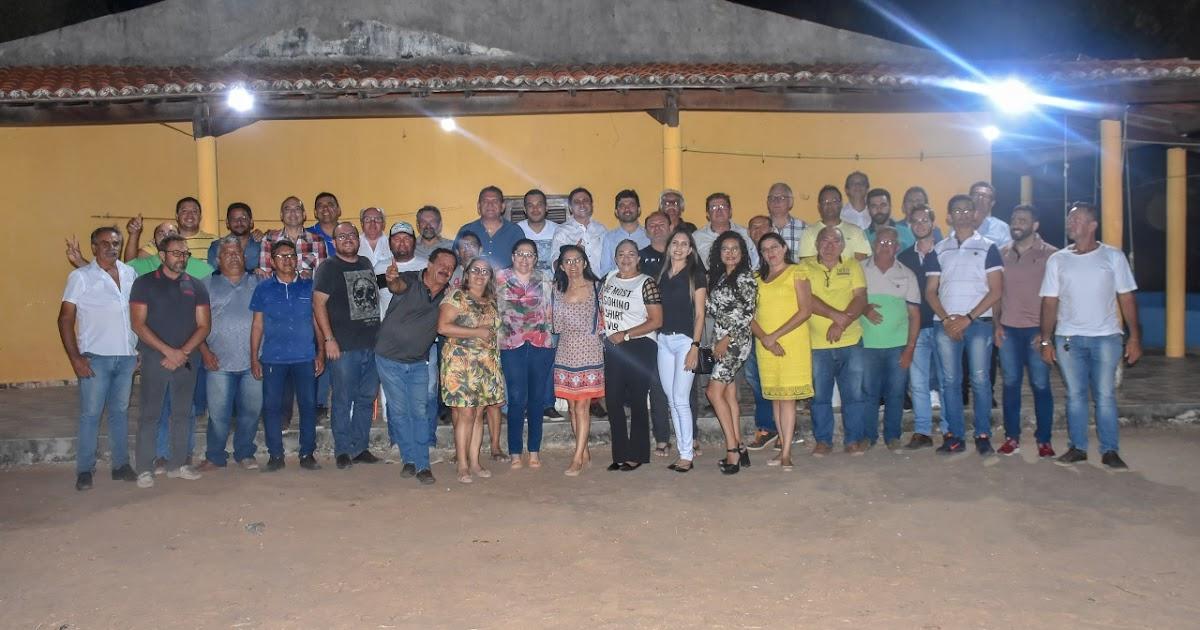 Prefeito de Mauriti Mano Morais recebe adesão do Vereador Almir Tavares, eleito pelo PT em 2016 - Flavio Pinto