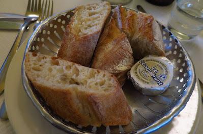 France-Soir, bread