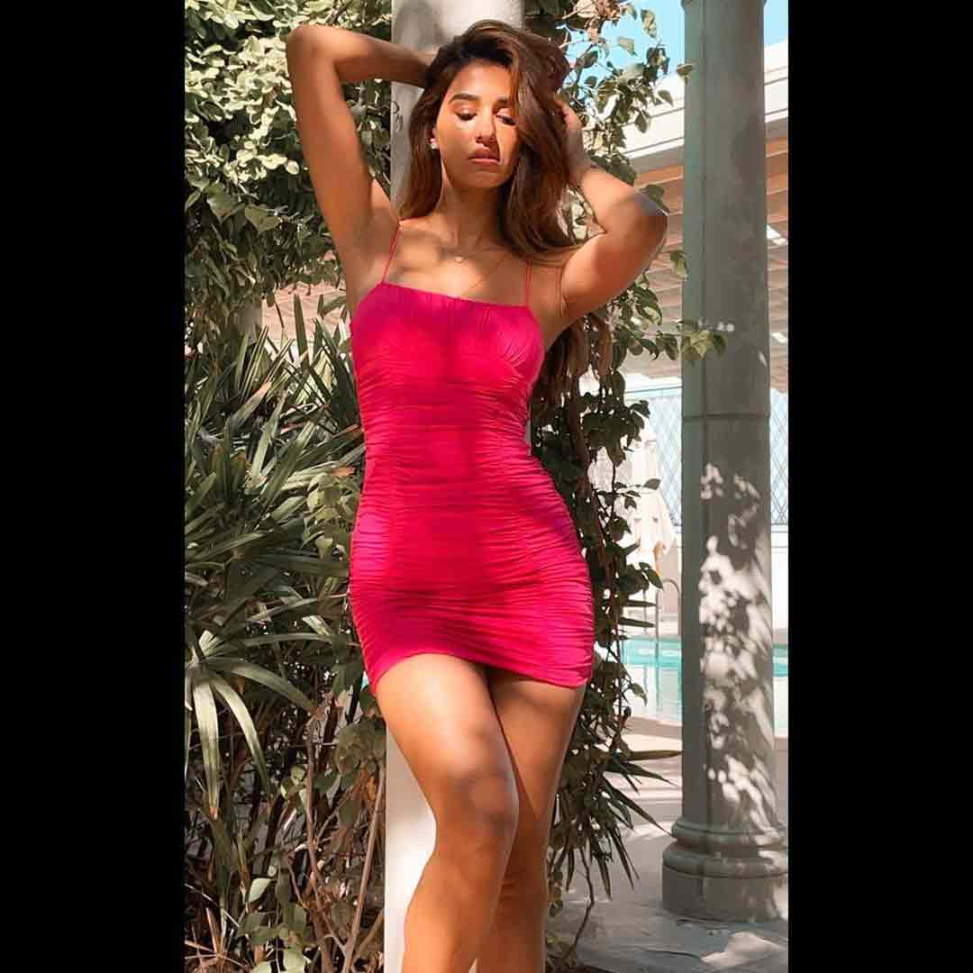 disha-patani-pink-dress