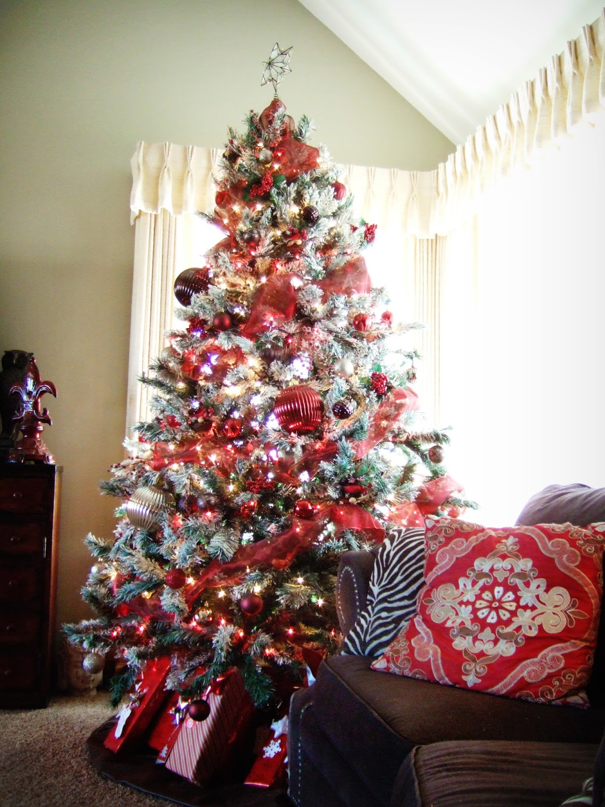 Jacobs Family Blog: Rustic Red and Brown Christmas Tree