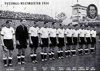 """... warum die BRD-Fußballnationalmannschaft der Herren keine """"deutsche"""" ist?"""